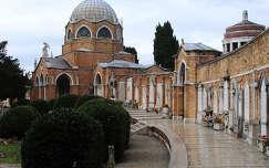 Velence temetőjének ravatalozó temploma