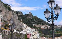 Positano, Dél-Olaszország egyik legdrágább üdülőhelye. Amalfi-part, Olaszország