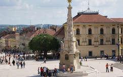 Pécs: Széchenyi tér - Szentháromság szobor  /Fotó: Rébék Nagy Tibor készítette