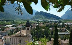Olaszország, Garda-tó, Arco városa a várból látva