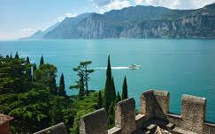Olaszország, Garda-tó, kilátás a Malcesine-i várból