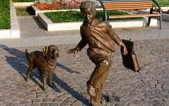 Szolnok-utca szobor