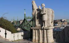 Budapest,Szt. István szobra a Gellért kápolna előtt