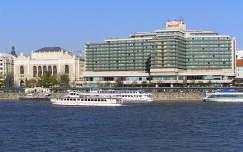Budapest, Vigadó és a Marriott Hotel