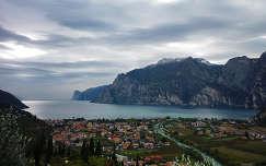 Kilátás a Garda-tóra