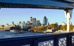 London, kilátás a Tower Bridgeről