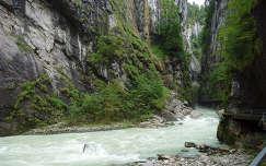 Az Aare folyó szurdoka Svájcban