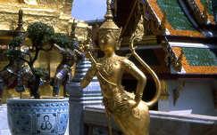 Aranyszobor Bangkokban
