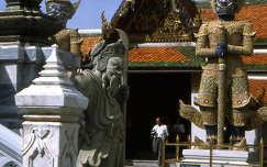 Bangkoki királyi templom udvara