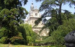 Blois templom a parkban