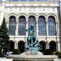 Magyarország, Budapest, Vigadó tér, Pesti Vigadó, szobor, Senyei Károly: Vízcsorgató (ürgeöntő) gyermekek kútja