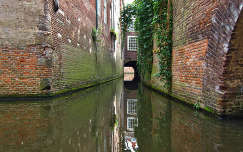 'S-HERTOGENBOSCH-HOLLAND (Capital of the prov. North-Brabant. Binnendieze, Canals Under The City
