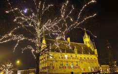 GOUDA-HOLLAND, CITY OF CHEESE, CANDLES AND PIPES