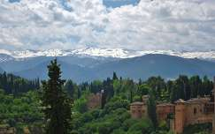 GRANADA, SPANJE, view at the Sierra Nevada