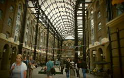 Hay's Galleria, London