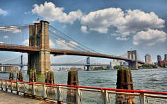 A Brooklyn Bridge és a Manhattan Bridge, New York, USA